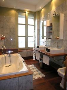 paris apt bathroom1